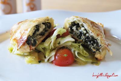 Einfaches Rezept für Blätterteigtaschen mit Spinat und Feta