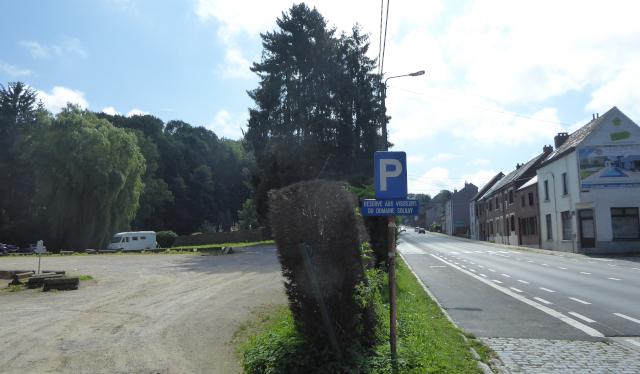 Estacionament a tocar del Domaine Solvay