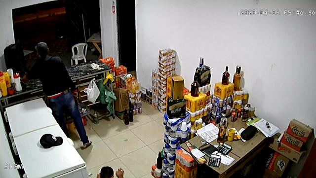 Em Delmiro Gouveia/AL, homem fica ferido após reagir a  assalto em Disk Gelada