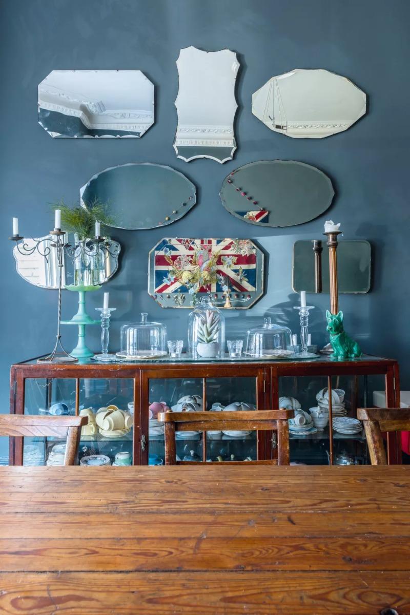 idee per Decorare la casa con una collezione di specchi