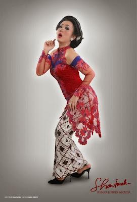 Koleksi Model Baju Kebaya Artis Soimah Terbaru