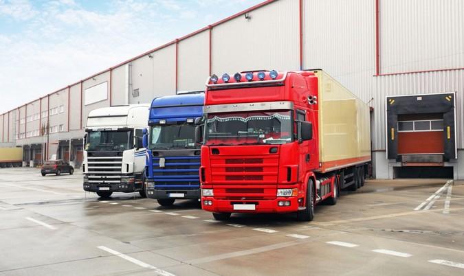 Para combater falta de motoristas, embarcadores prometem melhorar locais de carga e descarga na Europa