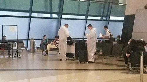Nah! Dua Orang China yang Tiba di RI dengan Pesawat Charter Positif Corona
