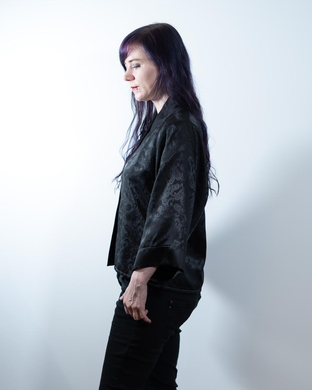 Minn's Things Suki Robe Sewing pattern Helen's Closet Hacked Short Satin Fabric Side