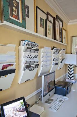 Mendekorasi dinding agar lebih cantik sekaligus fungsional