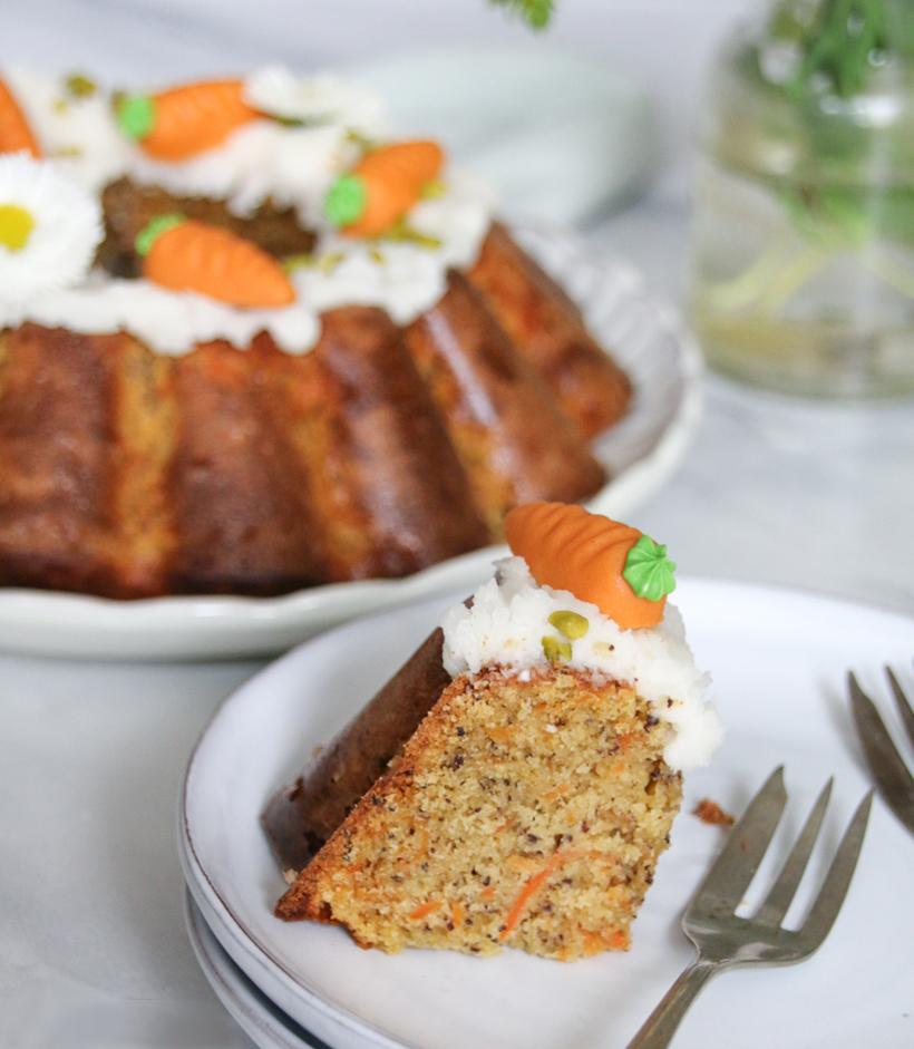 Karottenkuchen mit Mohn