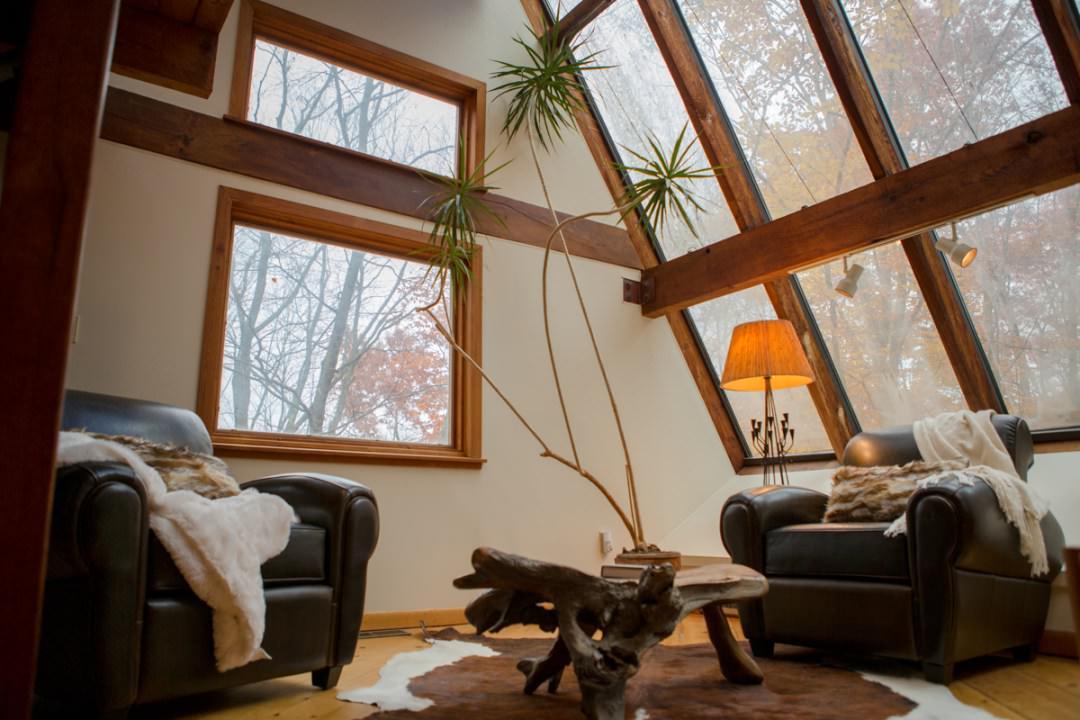 Una bella casa natural que parece estar suspendida en el - Casas con luz natural ...