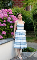 http://sewinggalaxy.blogspot.de/2017/07/michous-mutter-teresa-kleid.html