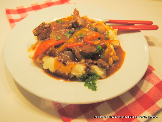 Slow Cooker Pepper Steak at Miz Helen's Country Cottage