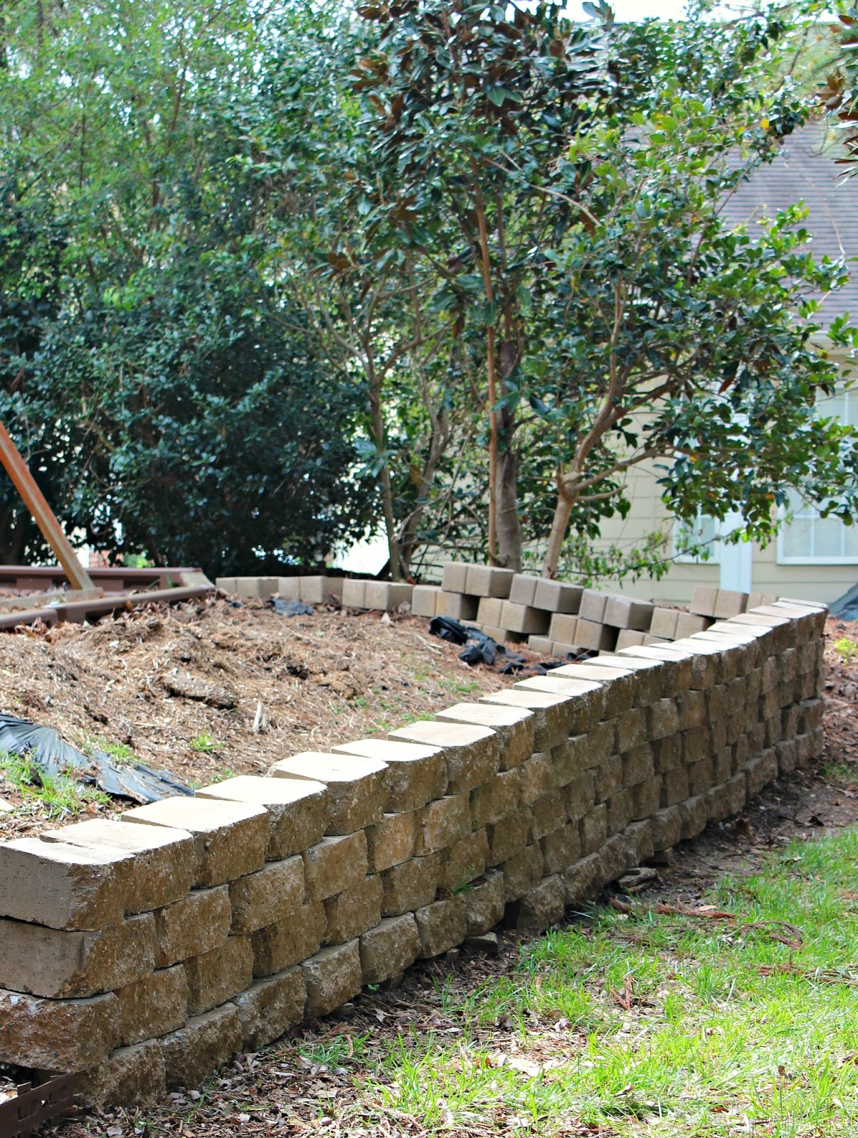 carolina on my mind: Backyard Retaining Wall: Part 3