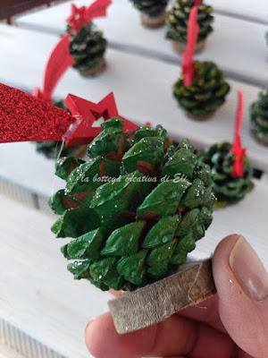 pigna segnaposto natalizio