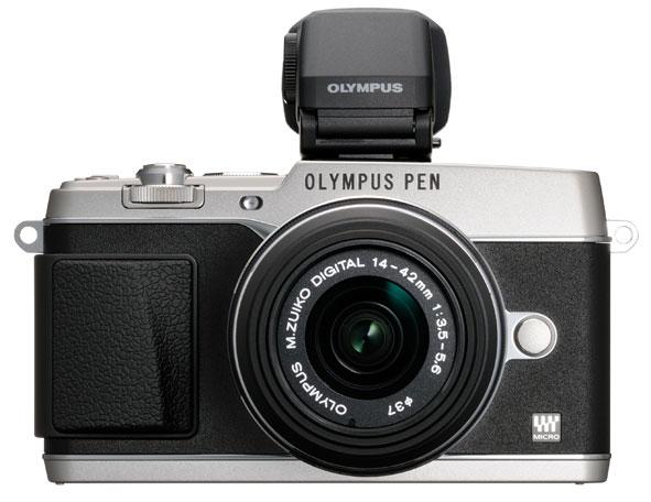 L'Olympus E-P5 con il mirino elettronico esterno (opzionale) VF-4