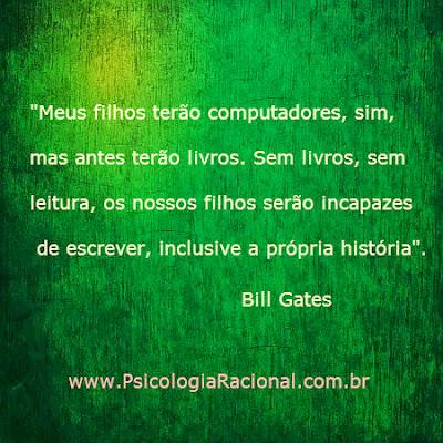 Bill Gates defende a leitura de livros para desenvolver a mente