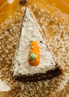 5 VEGAN CAKE RECIPES