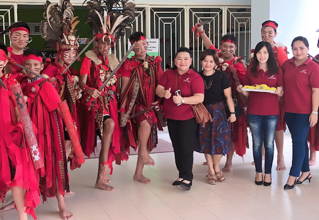 Merah, warna dominan kostum penari Kabasaran    jelajahsuwanto