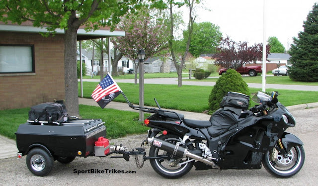Suzuki Hayabusa GSX1300R outfitted with Trailer Hitch, Touring Rack and Sissy Bar by Sport Bike Trikes.