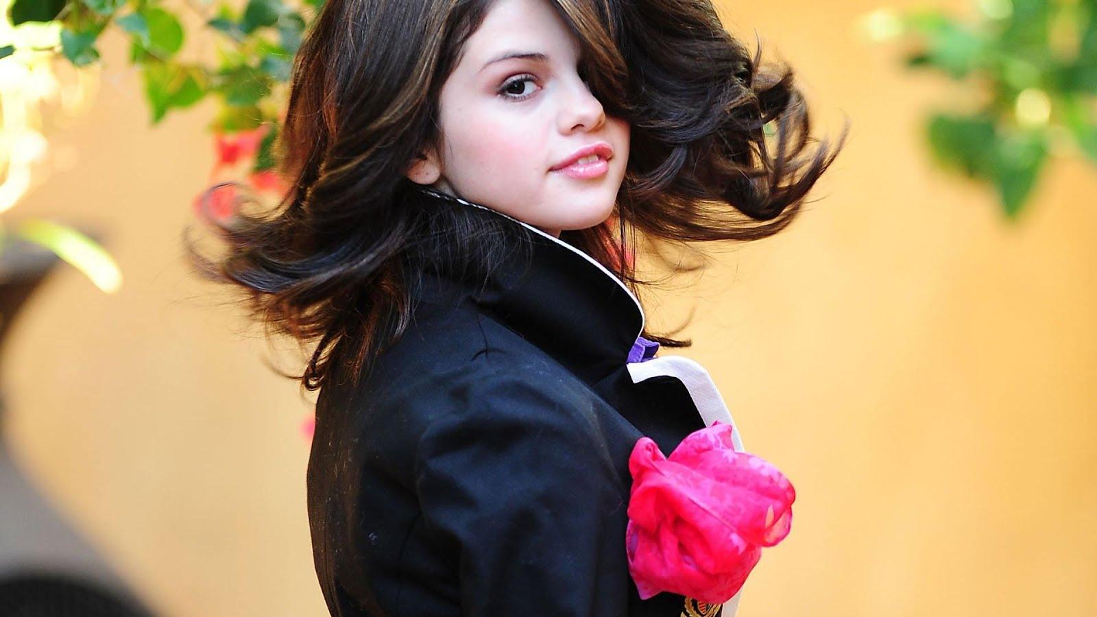 Selena gomez hd wallpapers for Teenage girl wallpapers