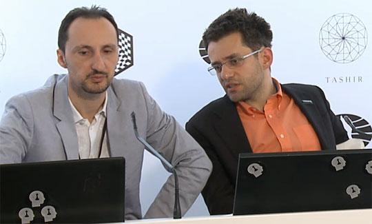 Topalov et Aronian à la conférence de presse de la ronde 3 - Photo © Amruta Mokal