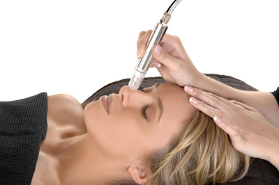 reduce scarring with microdermabrasion
