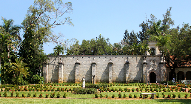 Ancient Spanish Monastery Cloister and Gardens em Miami
