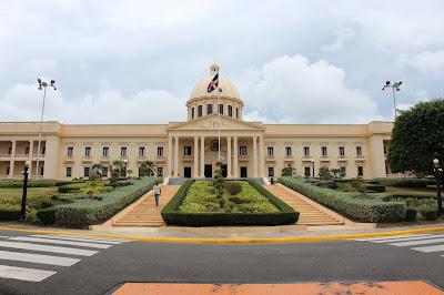 Presidente Danilo Medina declara toque de queda a nivel nacional