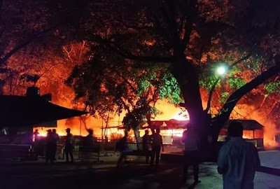 Fire-Broke-Out-In-The-IIT-Kharagpur-Tech-Market