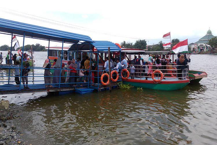 Wisata Perahu Rakyat Randuboto Sidayu Gresik