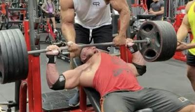 Momen mengerikan di tempat gym terdekat