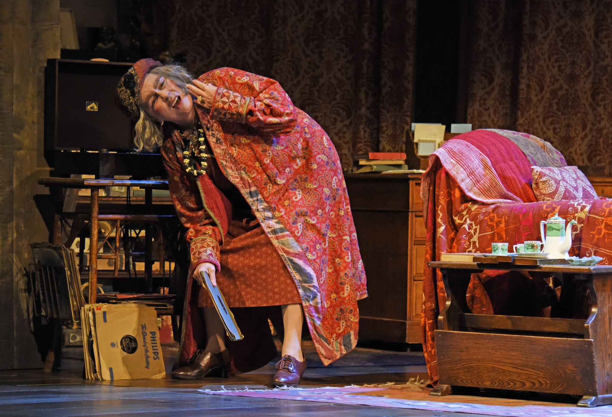 Review Round-up: Blithe Spirit, Harold Pinter Theatre