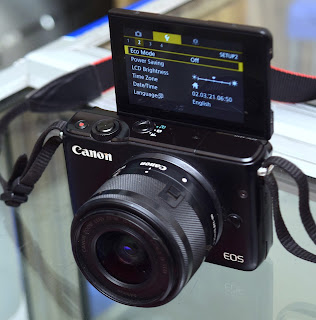 Jual Kamera Mirrorless Canon M10 ( TouchScreen )
