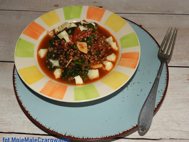 Sorgo ze szpinakiem, pomidorami i scamorzą - CZYTAJ DALEJ