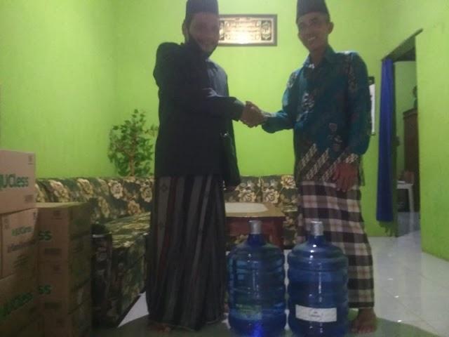 Pendistribusian galon award penjualan NU cless terbanyak Ranting di MWC Ngronggot