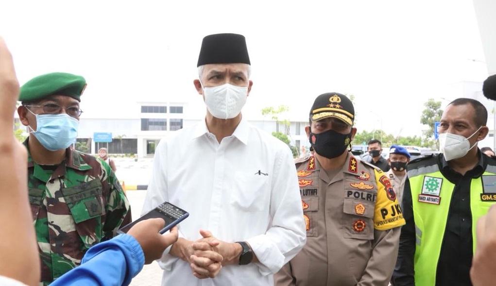 Gubernur Jateng Sambut Kedatangan Jenazah Habib Ja'far al Kaff di Bandara Ahmad Yani