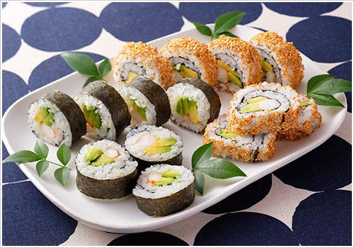 えびとアボカドの巻き寿司