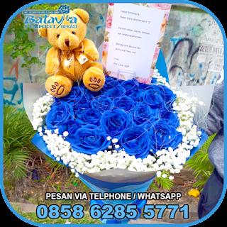 toko-bunga-tangan-bekasi-karangan-bunga-tangan-hand-bouquet-buket-wisuda-pengantin-pernikahan-mawar-matahari-di-bekasi-010