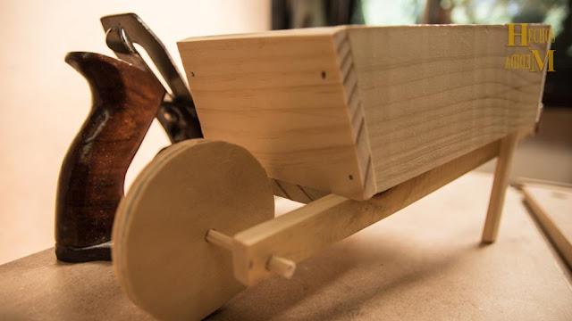 carretillo-de-madera-adorno-para-personalizar