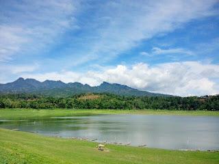 Tempat Wisata Waduk Seloromo