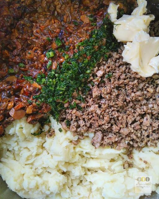 farsz do pierogów z białą kiełbasą i ziemniakami