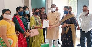 #JaunpurLive : सखी वेलफेयर फाउंडेशन ने राज्यमंत्री को सौंपा ज्ञापन