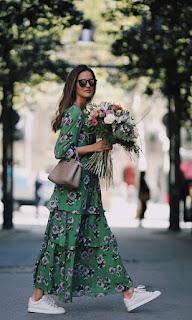 Escolhendo vestido longo