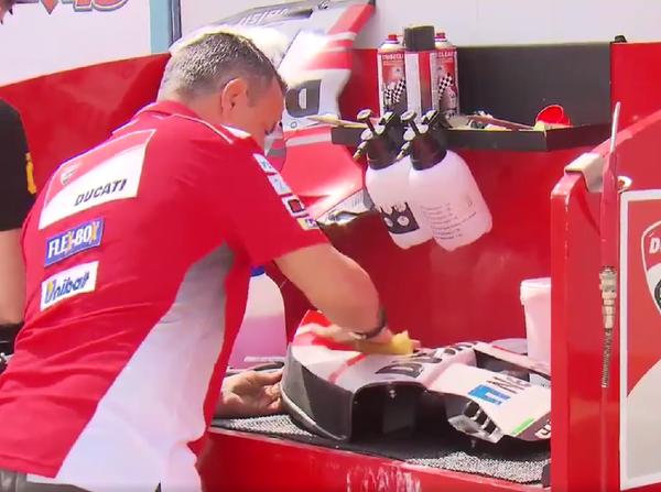 Jarang yang tahu ternyata begini cara mencuci motor pembalap motogp Jarang yang Tahu, Ternyata Begini Cara Mencuci Motor Pembalap MotoGP