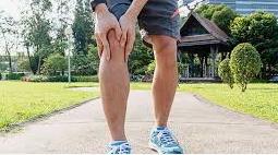 Ciri-ciri tulang patah, tulang retak atau keseleo pada anak akibat jatuh sehingga terjadi pembengkakan atau bergesernya tulang. Cara penyembuhan kaki keseleo dan patah tulang.