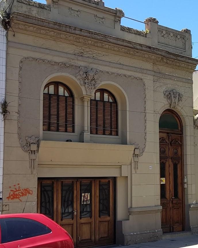 Casa chorizo Art Nouveau