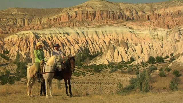 Andar a cavalo nos vales da Capadócia