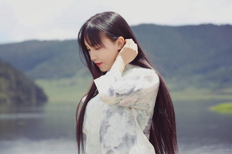 살아 있음을, 삶 자체를 매력적으로 만드는 여인 리쯔치 / 李子柒