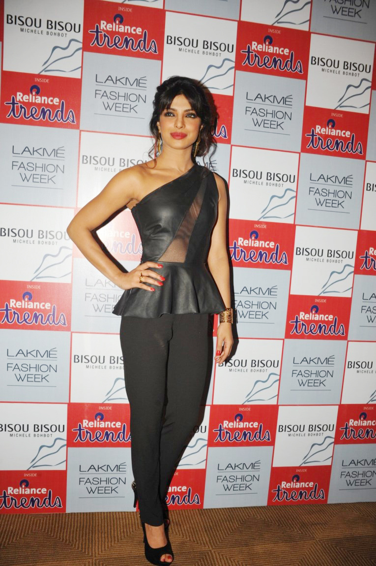 Priyanka Chopra Showstopper At Bisou Bisou Show At Lfw -4323