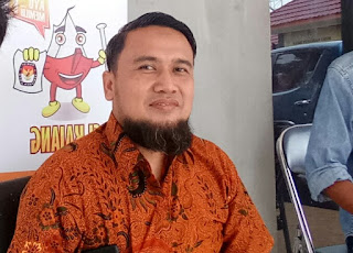 Tak Dapat Hadiri Debat Publik, Dengar di Kayuagung Radio