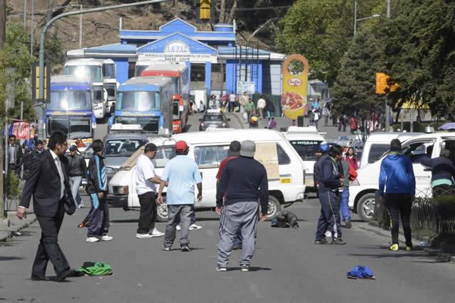 Choferes de La Paz afirman que pérdidas suman Bs 60 millones