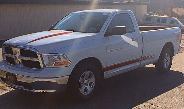 lovely-red-stripes-on-white-dodge-ram