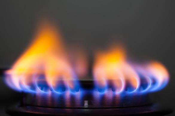 هل عرفت من قبل سبب تغير لون لهب الغاز من الأصفر إلى الأزرق